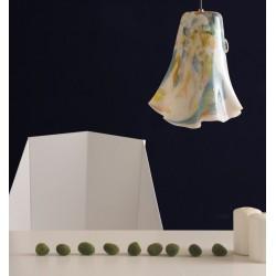Szklana lampa wisząca o unikalnym kształcie i kolorze