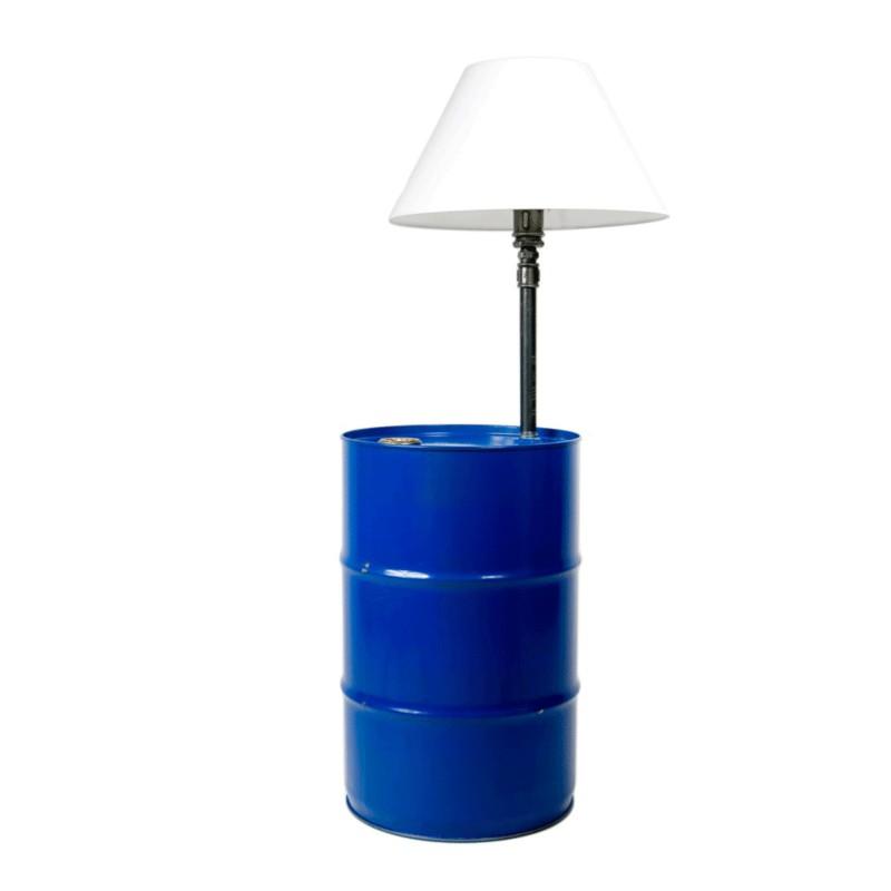 Lampa do loftu z beczki i rur