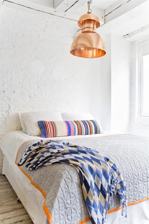 Miedziane lampy do sypialni