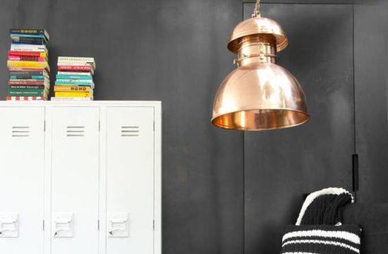 Niebagatelna lampa do loftu