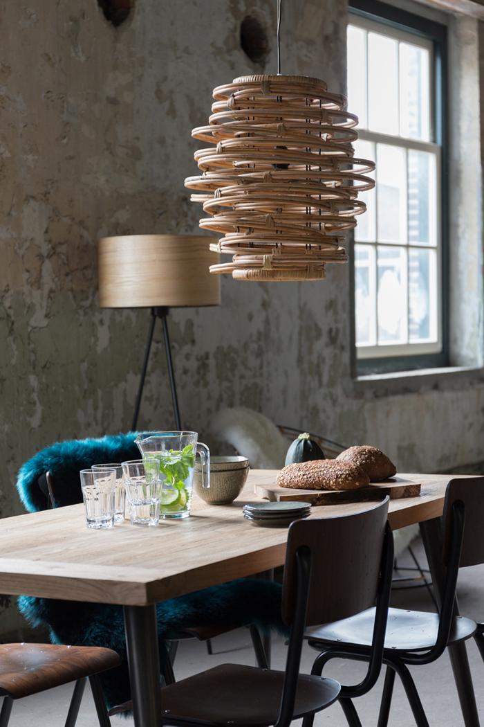 Drewniane lampy wiszące Dutchbone - lampa KUBU