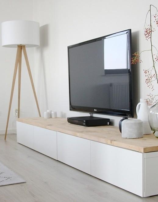 drewniany-tripod-marki-zuiver-wood-black