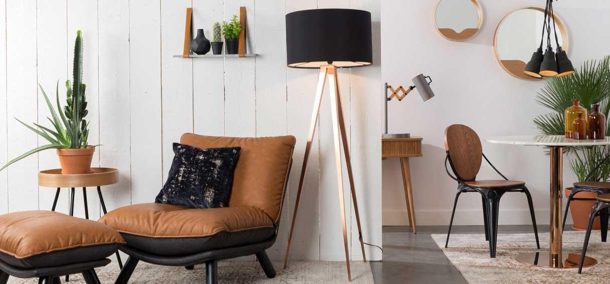 Lampy na trójnogu, trzech nogach